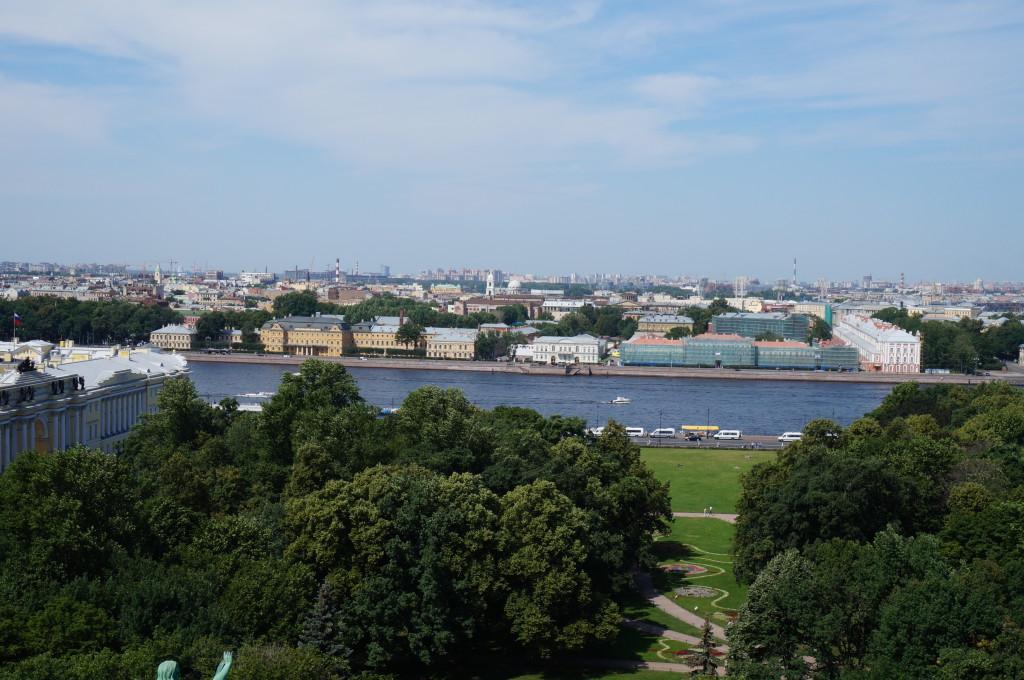Исаакиевский собор.Вид с крыши на реку Нева