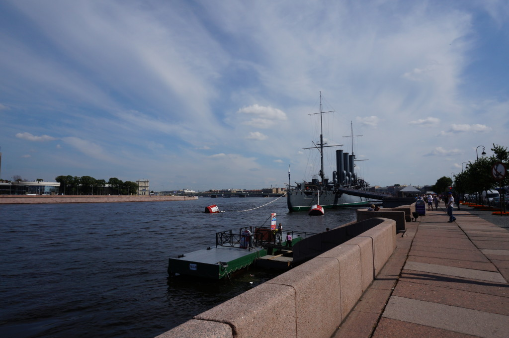 Крейсер Аврора на якоре