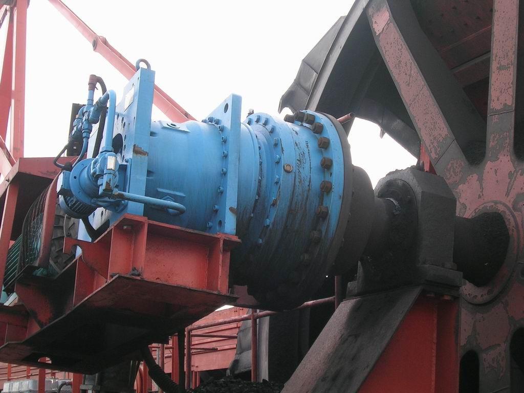 Мотор-редуктор коническо-планенетарный четырехступенчатый