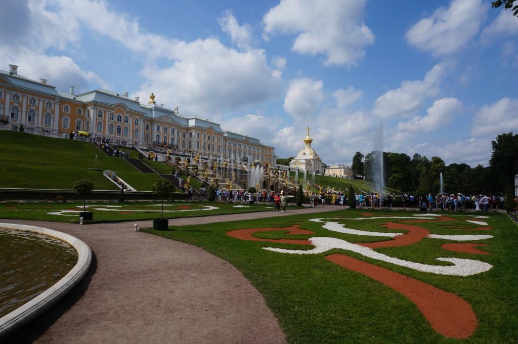 Дворец Петергоф фонтаны